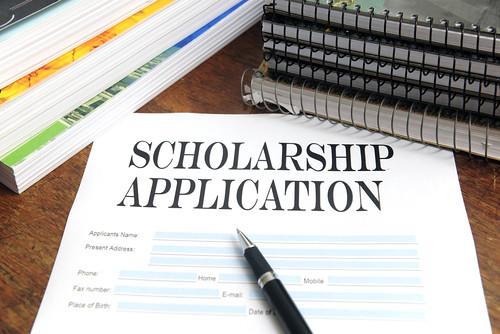 SES seniors earn Earl Bane scholarships