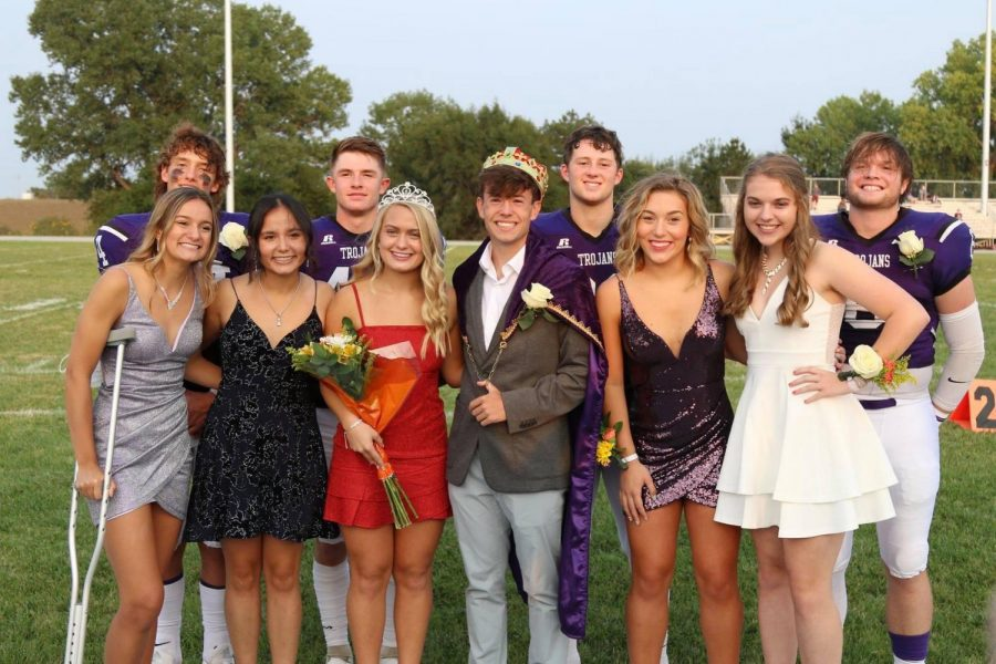 2020 Homecoming Candidates. Back Row: Jaxson Gebhardt, Tyler Breeding, Eli Harris, and Bryant Banks. Front Row: Sydnee Poague, Luisa Ortega, DorothyAnn Sparacino, Luke Gleason, Makenna Bartholomew, and Mackenzie Boley