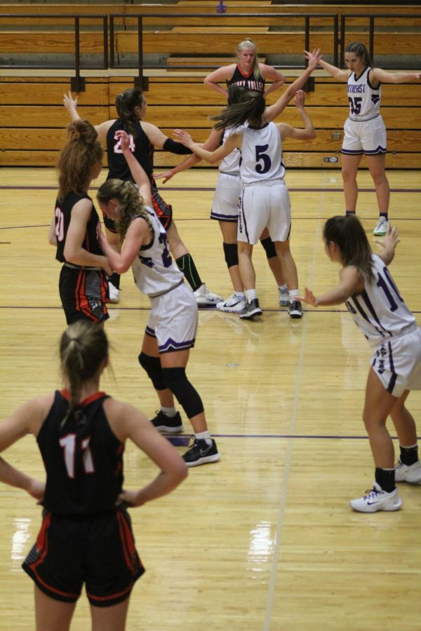 Girls Basketball-Smoky Valley