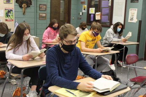 Should Huckleberry Finn be taught in schools? Insight from students