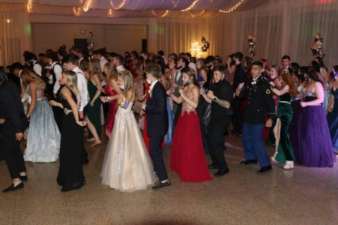 Students move along to a line-dance.